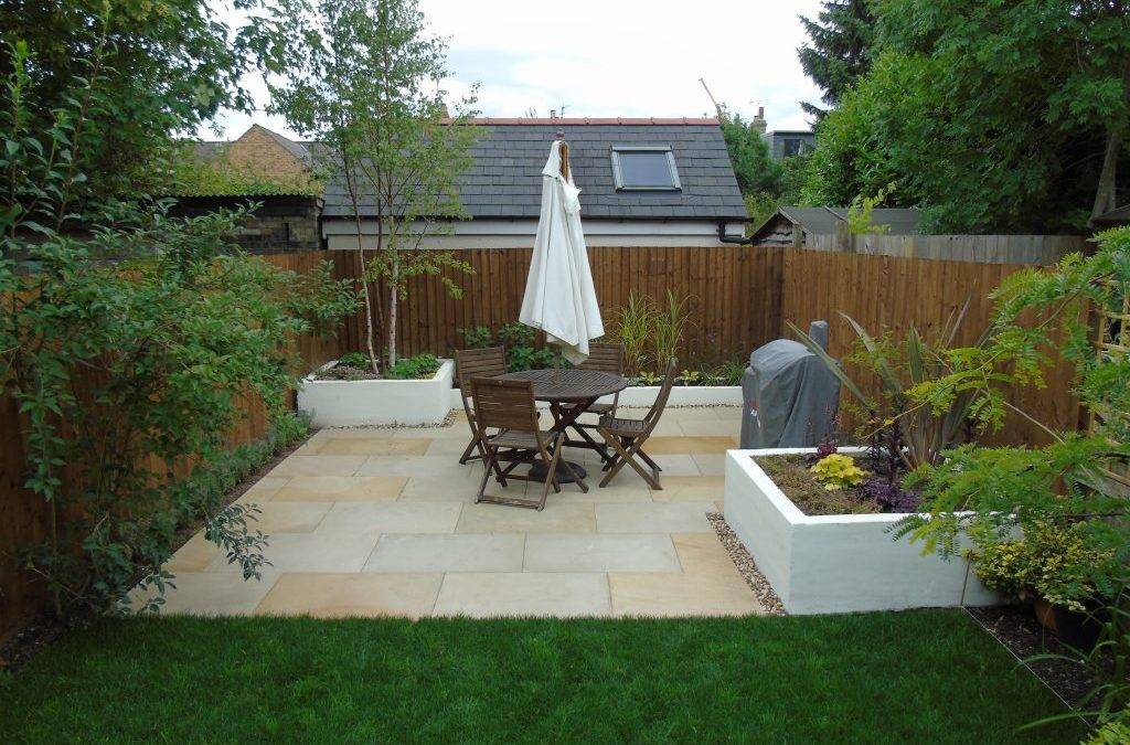 Paving, Blockwork Beds & Fencing